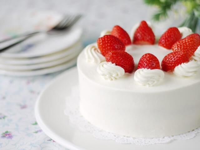 手作りケーキの保存方法は?ケーキにラップがつかないようにするには?