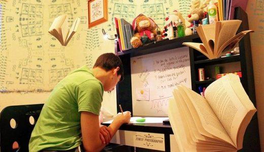 小学生の使用済み教科書やノートってどう処分する?取っておくべきものは?